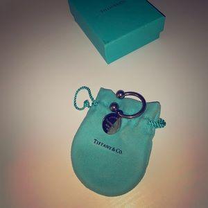 Tiffany and Co. horse shoe key ring with bag + box